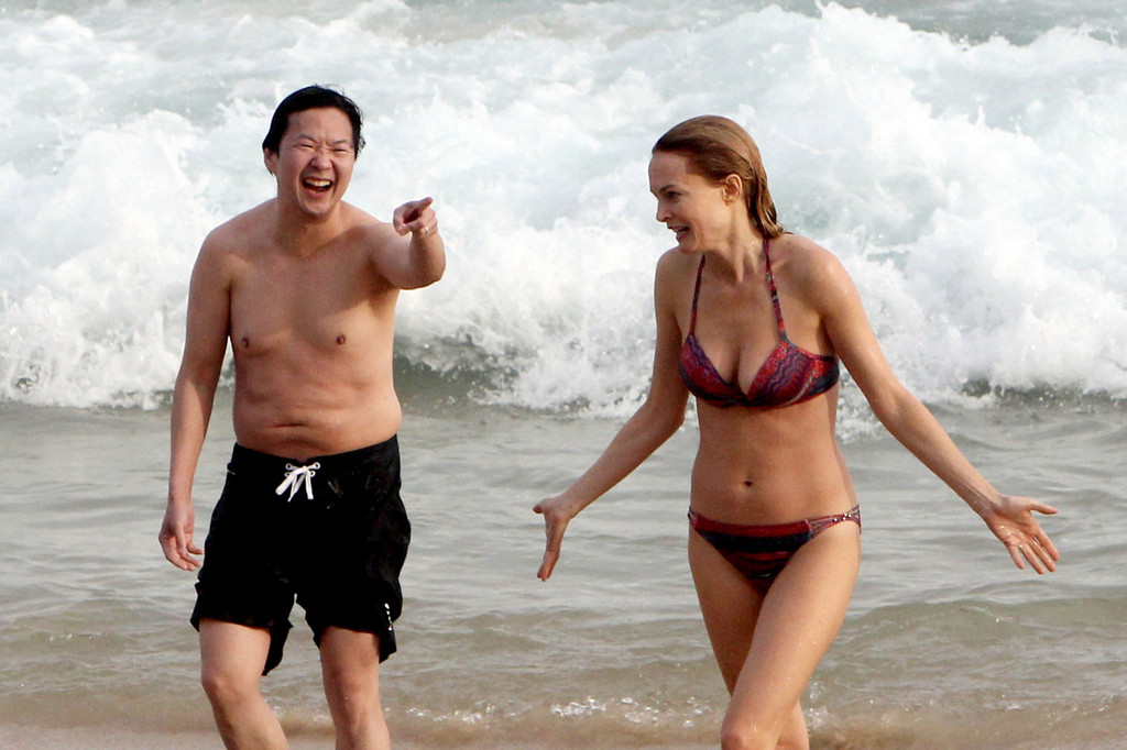 Ken+Jeong+Heather+Graham+Ken+Jeong+Hit+Beach+AlKtW2SVfdDx